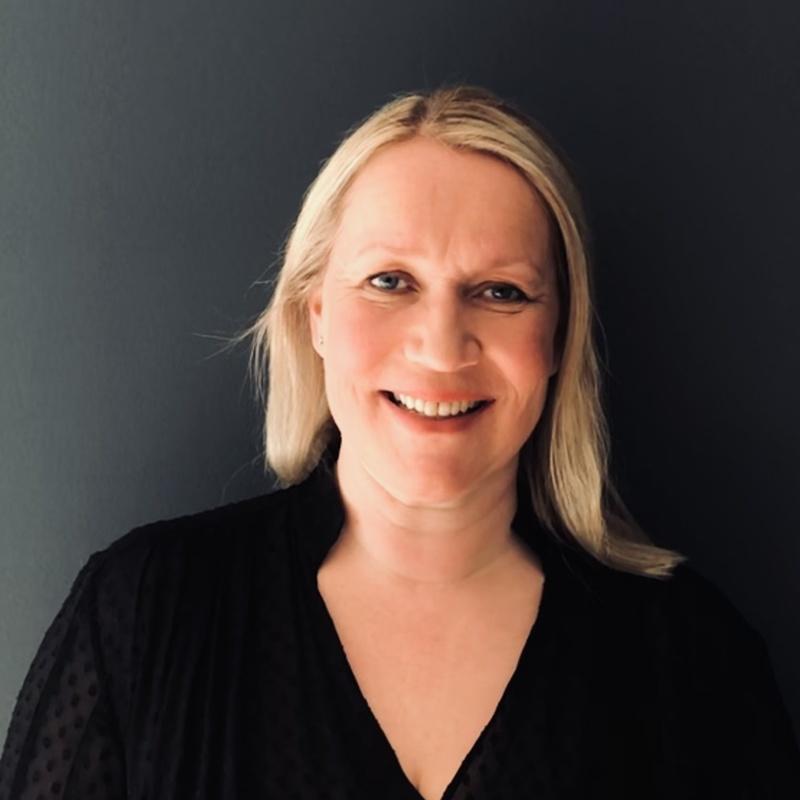 Ellen Schau, Kommunikasjons- og markedssjef i Right To Play